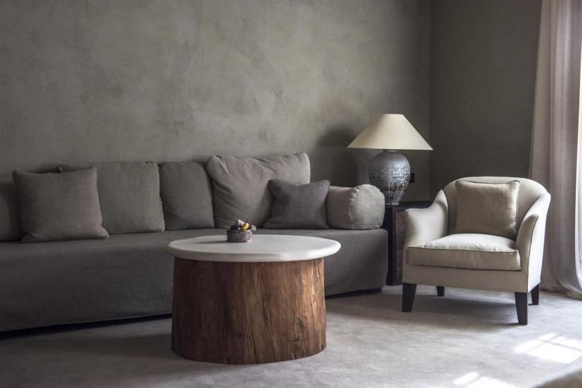 Junior Suite - Living Area (Axel Vervoordt)