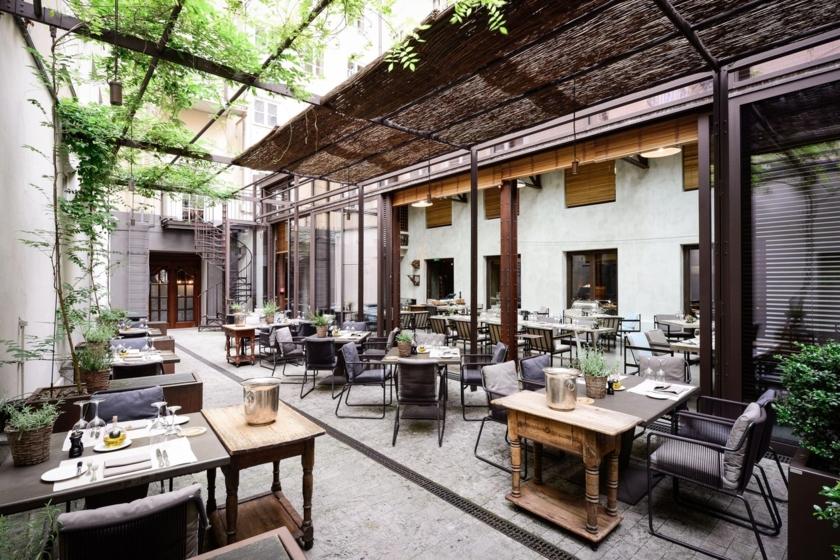 Restaurant Garden - Terrace
