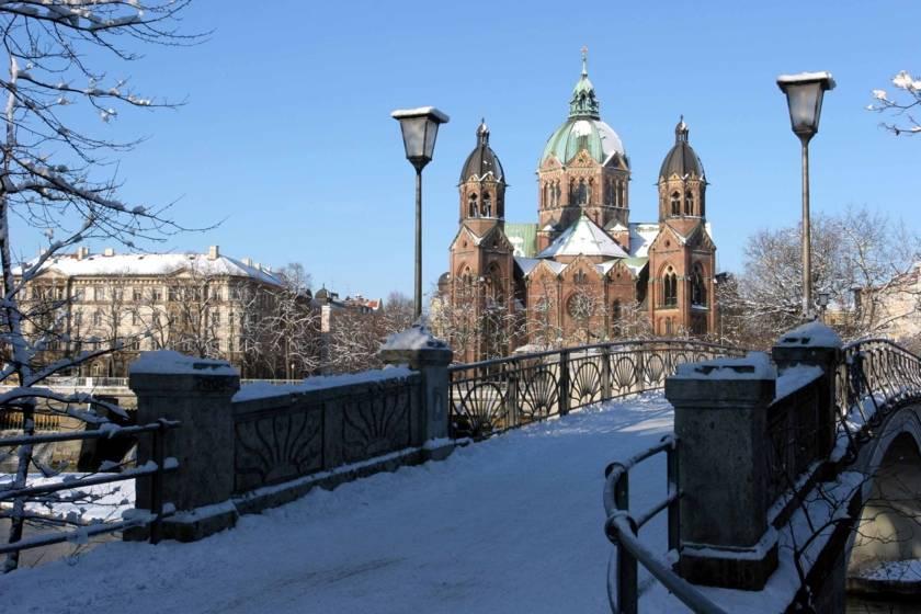Sankt Lukas Kirche 2130s