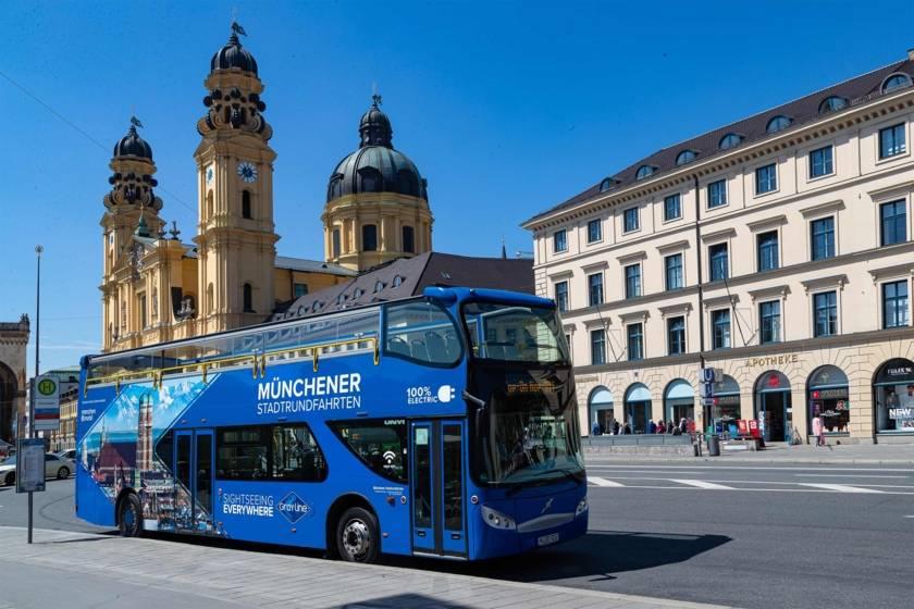 Stadtrundfahrt Blauer Bus Sightseeing Odeonsplatz 499
