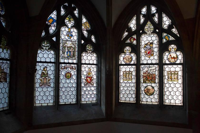 Rathaus Fenster 9551