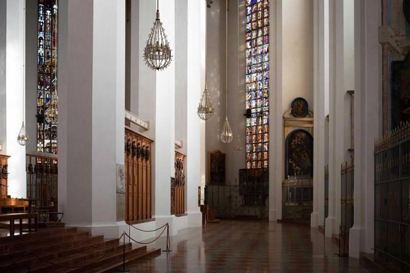 Licht Kirchenfenster Frauenkirche 6237