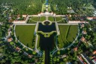Nymphenburg Palace complex covers an area of more than 220 acres. This roughly corresponds to the size of about 320 football fields.