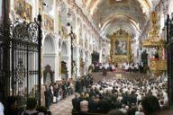 Über die Stadtgrenzen hinaus bekannt: die morgendliche Messe im Freisinger Dom.