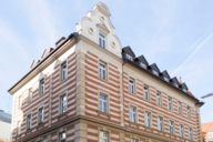When you think of Schwabing, you think of beautiful house facades - there are still many old buildings here!