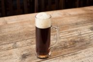 Dark is the chocolate among beers: heavy and sweet in taste, the foam is creamy.
