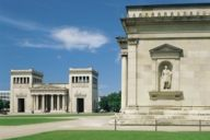 Isar-Athens at Königsplatz in Munich impresses with monumental architecture and international leading museums of antique art.