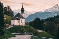 Like in a picture book: The pilgrimage church Maria Gern with the Watzmann massif in the back is a popular photo motif.