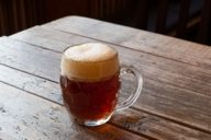 Bellied beer mugs are suitable for darker beers and strong beers.