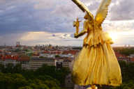 The Angel of Peace midst the Maximilian parc in the district of Bogenhausen was built in the occasion of the 25 peaceful years after the Franco-German war of 1870/1871.