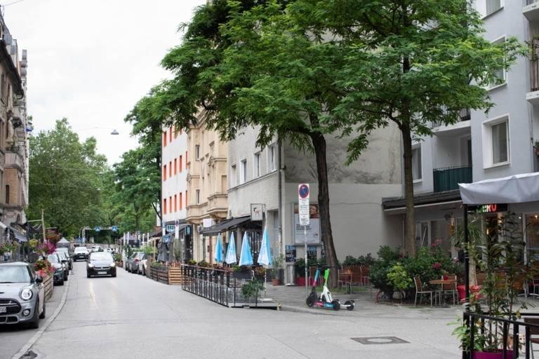 Several Schanigärten adorn Thalkirchner Straße in Munich
