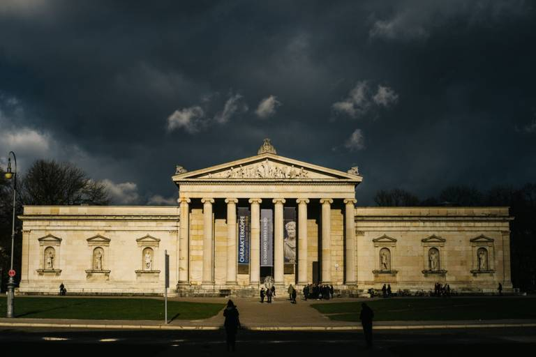 The Glyptothek at Königsplatz in Munich during thunderstorms