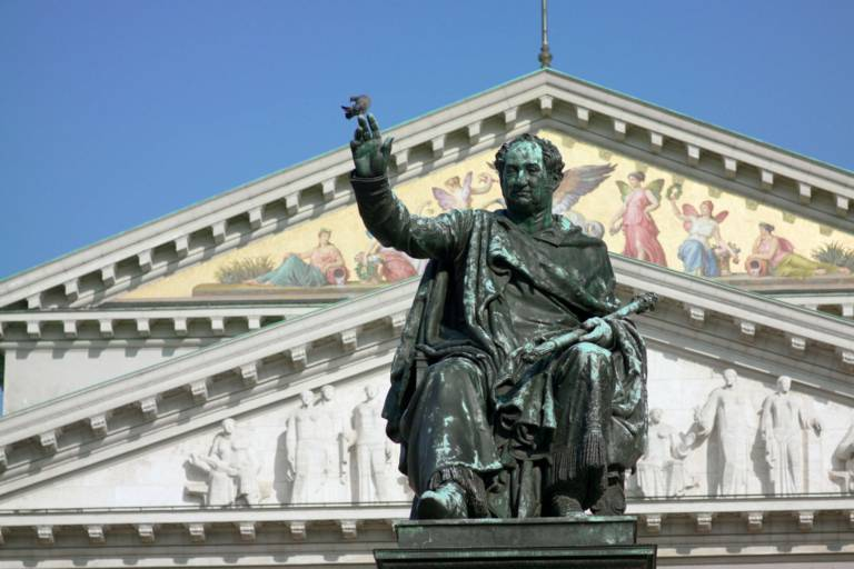 Monument to King Max I Joseph of Bavaria in front of the National Theatre