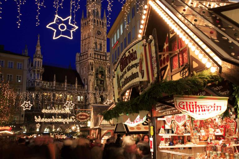 Munich christmas market at Marienplatz