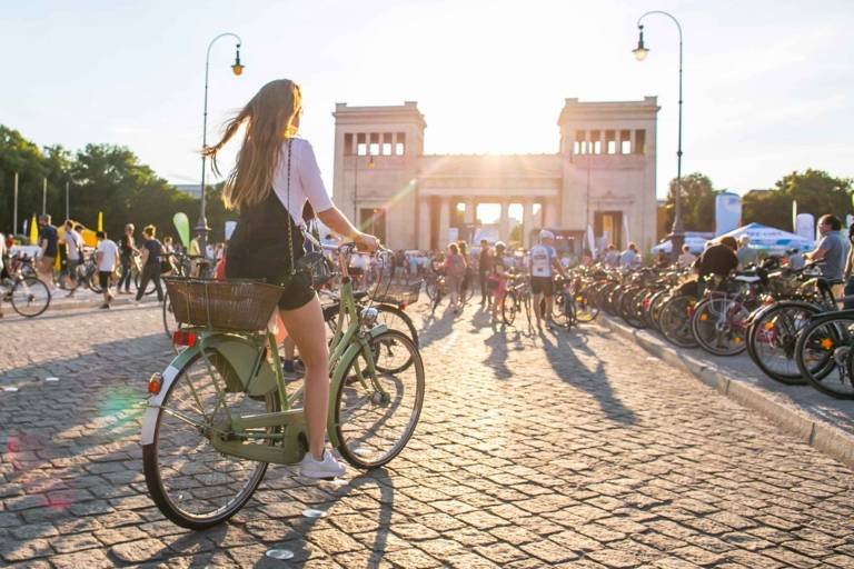 Many cyclists on the Königsplatz in Munich.
