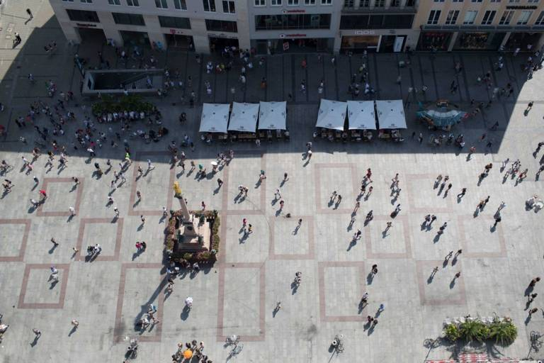View from the Neues Rathaus to the Marienplatz and Mariensäule in Munich.