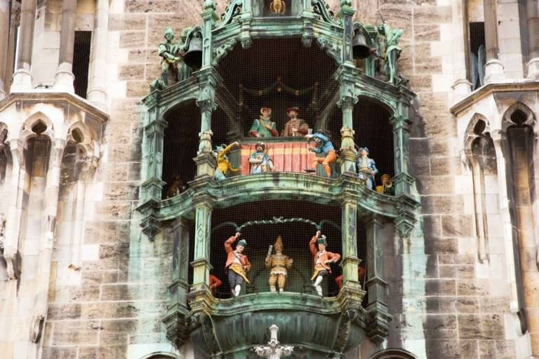 Glockenspiel at the tower of the Neues Rathaus at Marienplatz in Munich.