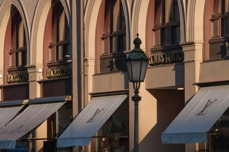 Boutiques at Maximlianstraße in Munich.