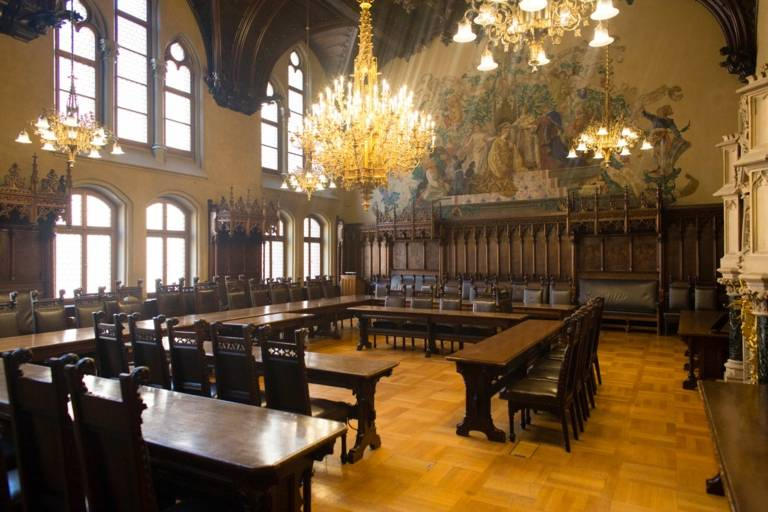 Meeting room of the Neues Rathaus in Munich.