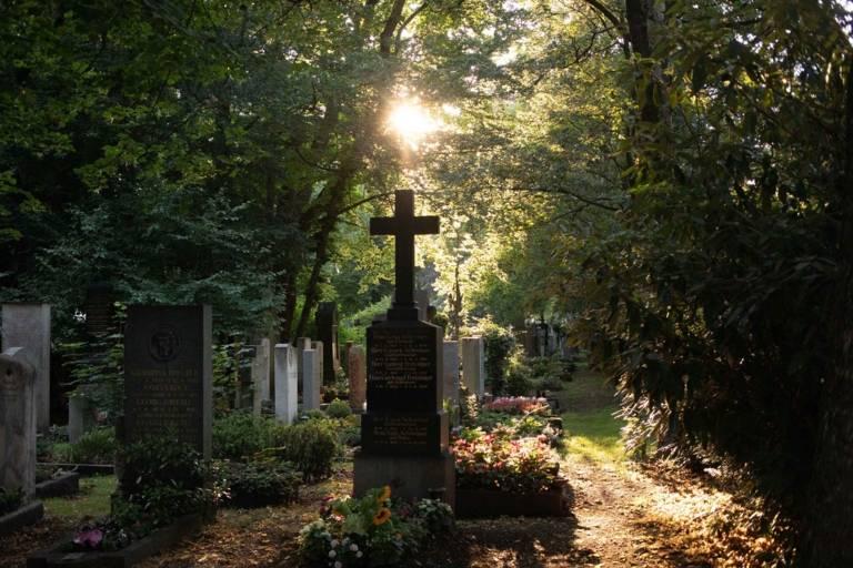 A sunlit cemetery in Munich.